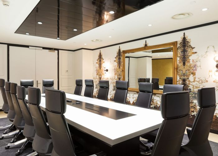 Meeting Rooms - London Mayfair Office space in Town - Extended Table