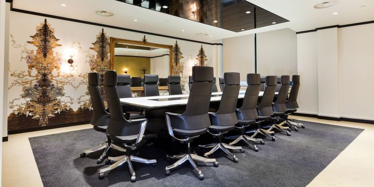 Serviced Offices London Mayfair Office Space in Town Champagne Lounge